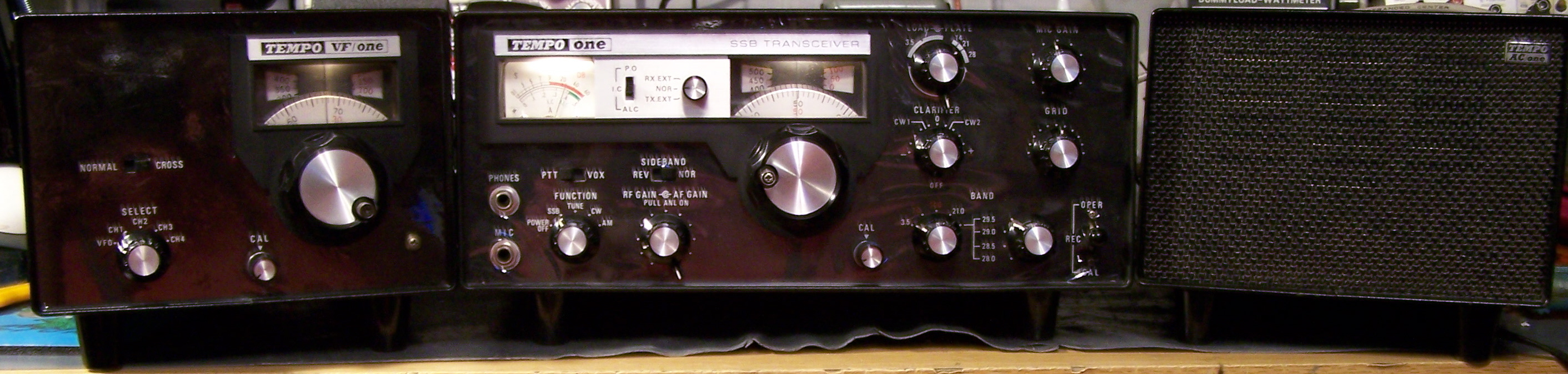 Vintage Tempo one FT 2HF tube ham transceiver -